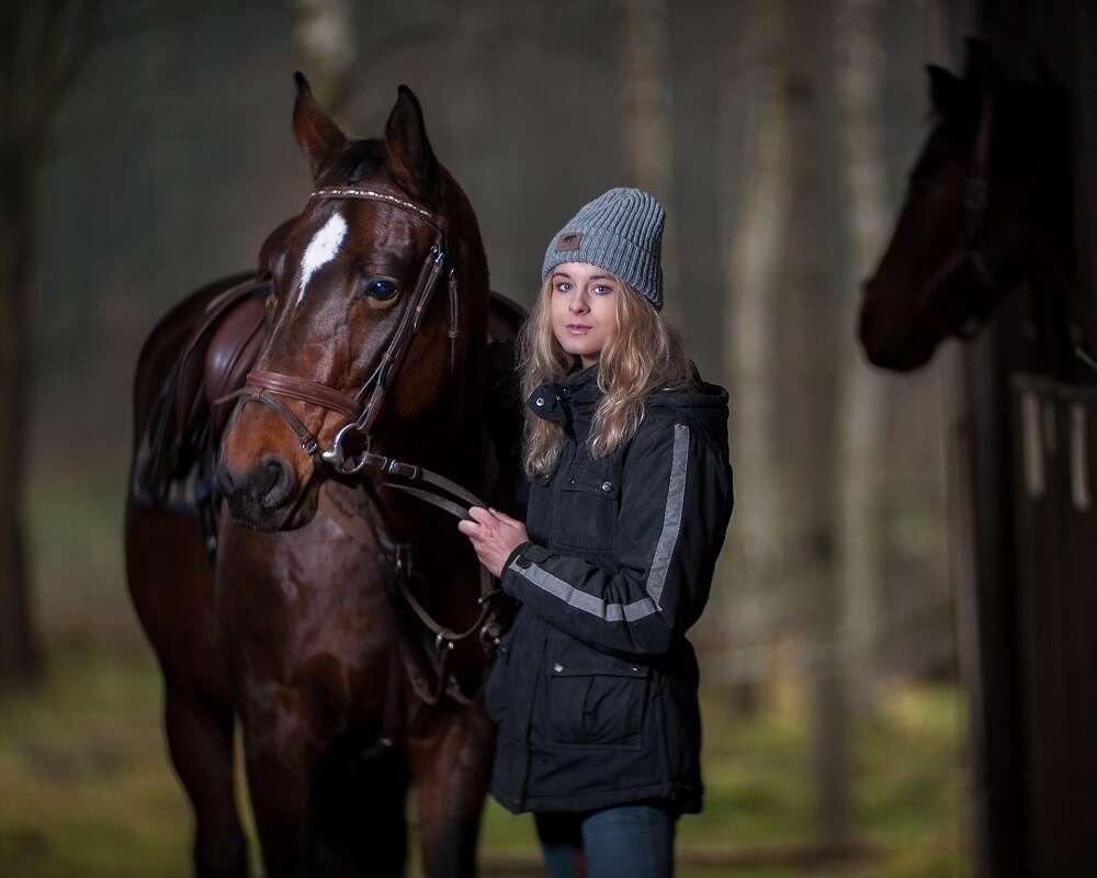 Jak zadbać o konia podczas jesieni?