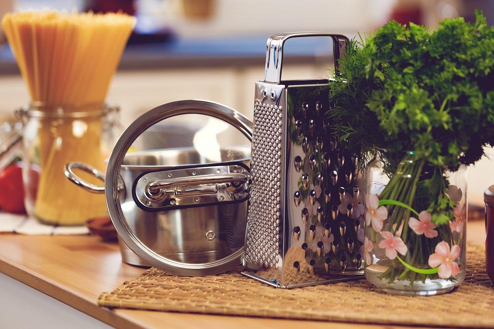 W czym najlepiej gotować zdrowo?  Bierzemy na tapetę garnki