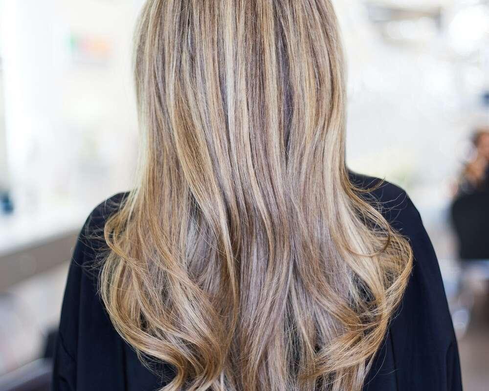 Jak dbać o farbowane włosy?